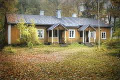 Peasant's House in the Autumn (Raf...) Tags: autumn house building fall texture finland peasant ourtime qualitystructuresppf