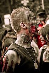 IMG_3044 (Meian') Tags: paris walking dead death blood zombie walk mort makeup gore rotten sang maquillage pourri meian 2011 putrefi putrify