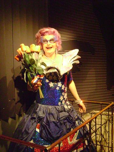 Dame Edna Everage, Madame Tussauds Amsterdam, Ámsterdam, Holanda 2011/Amsterdam, The Netherlands' 11 - www.meEncantaViajar.com by javierdoren