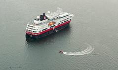 Cruise ship in Baddeck, Nova Scotia (Eyeseeu) Tags: ocean lighthouse water harbor kayak novascotia view harbour aerial anchorage kayaking aerialphoto baddeck alexandergrahambell pleasureboating baddeckns baddeckbay nspp kidstonisland