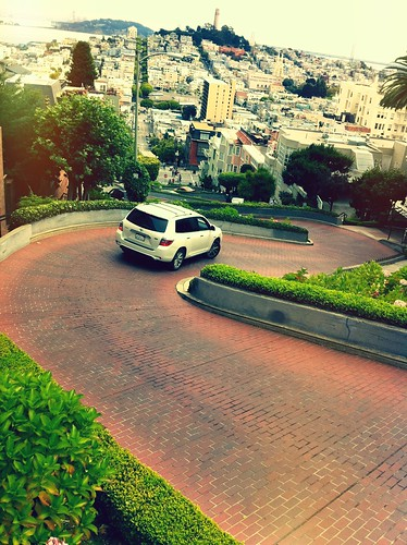 "Lombard Street - San Francisco, California • <a style=""font-size:0.8em;"" href=""http://www.flickr.com/photos/20810644@N05/6299988750/"" target=""_blank"">View on Flickr</a>"