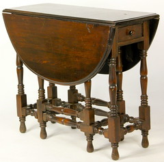 196. Drop Leaf Gate Leg Table