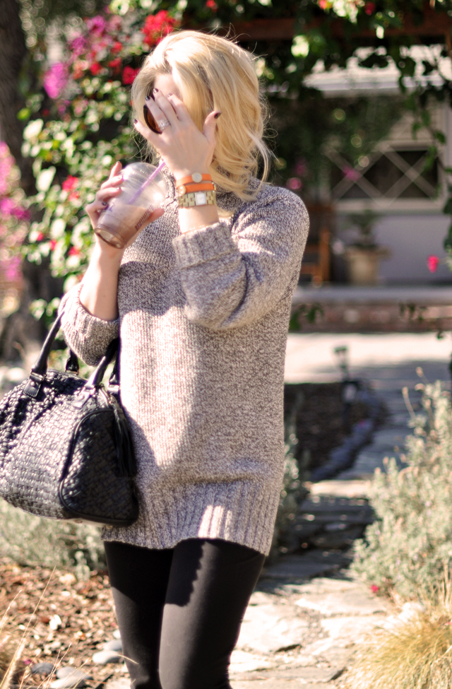 weekend style-big cozy sweater-cofee