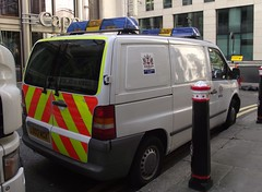 City of London Police / Mercedes Vito / Support Van / CP?? / LD03 MGX (Chris' 999 Pics) Tags: old uk blue light england woman man film speed lights bill pc bars pix order fuji cops united nick fine blues samsung kingdom finepix copper and fujifilm service law hd enforcement breakers emergency 112 siren coppers arrest policeman 999 constable 991 twos strobes policing lightbars rotators vluu pl81 pl90 sl630 led's s2750