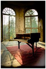 klavier 2 (krasstoph) Tags: old autumn urban house berlin nikon europe piano sigma exploration 1770 urbex klavier d5100