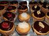 Cupcakes Variados (jujudivah) Tags: cupcakes comida morango doces nozes confeitaria minibolos côcocupcakesminibolosdocesgastronomiaconfeitariacomida
