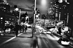 Way on the bridge (Rotdenken (Jules Rigobert)) Tags: nyc blackandwhite bw usa ny america photo flickr noiretblanc manhattan nb sw amrique schwarzundweis rotdenken julesrigobert