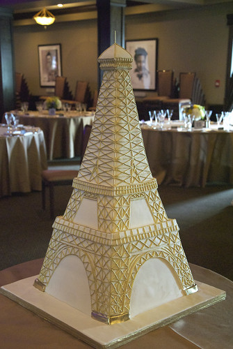 W9087 Eiffel Tower Cake Toronto