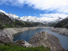 Kölnbreinspeicher (VVincze) Tags: blue cloud mountain snow water austria scenery malta reservoir maltatal kölnbreinspeicher kölnbreinsperre kolnbreinspeicher kolnbreinsperre