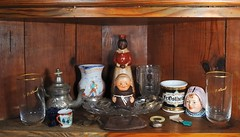 A Collection in a Collectable (thorntm) Tags: collections beerglasses auntjemima nikond700 mdtpix nikon247028lens silvernapkinrings oldcoinpurse oldmedal cpmg1111sa ncz1139 oldteethingcircle 1930spitcherfromspain eary1900scoinbank 1930smonksugardish silver1920sportugalteapot 1890sshavingmug t11101001 antiqueauntjemimasyrupbottle