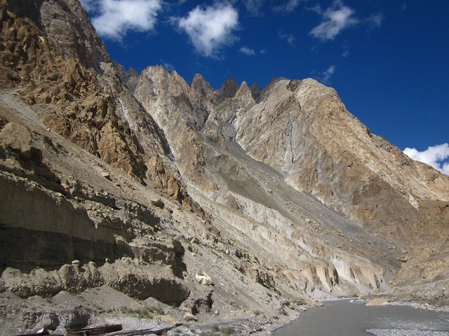 KKH between Sost and Passu.