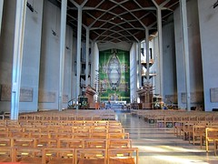 The Largest Tapestry in the World (Heaven`s Gate (John)) Tags: art architecture cathedral interior nave basil coventry sutherland graham tapestry spence johndalkin heavensgatejohn
