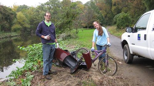 Tacony Creek Park Clean-up With Hackley School 1