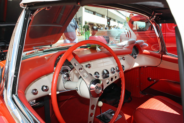 1957 Chevrolet Corvette Convertible with Fuel Injection (8 of 13)