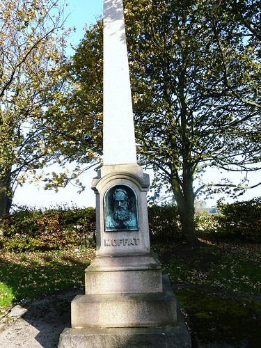 Moffat Memorial, Ormiston