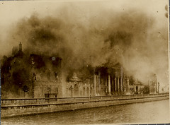 Conflagration (National Library of Ireland on The Commons) Tags: 1920s ireland dublin june fire explosion 1922 riverliffey fourcourts nationallibraryofireland publicrecordsoffice irishcivilwar antitreaty naceithrecirteanna innsquay battleofdublin nationalarmy wdhogan hogancollection
