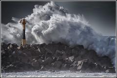 Anglet (October 2011) - © Jérôme Cousin (Jérôme Cousin) Tags: ocean sea fab mer wall high nikon dynamic wave atlantic 64 full explore dyke vague range pays basque hdr dike bayonne biarritz pyrenees fdr bab digue atlantique euskal herria atlantiques anglet herri 55300 d5000