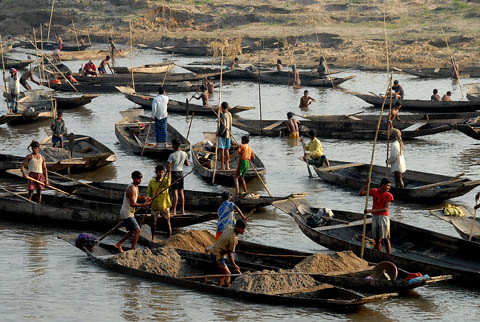 Dredging a fish pond, Bangladesh. Photo by WorldFish, 2007