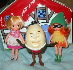Ladies man (teekeek) Tags: mcdonalds pussinboots catfight fairytales humptydumpty eggman eggmen mcdonaldspussinboots