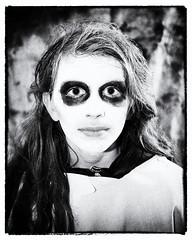 zombie (pass_lake) Tags: portrait halloween nikon nikkor 35mmf2d strobist d700
