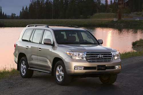 2011-Toyota-Land-Cruiser-Unveiled