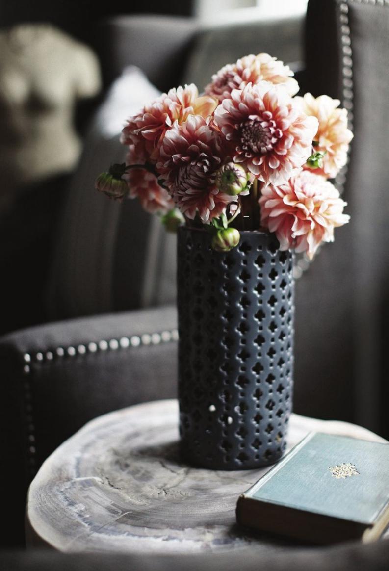black vase with pink flowers-dark gray interiors