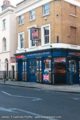 "Fish&Chips at Greenwich <a style=""margin-left:10px; font-size:0.8em;"" href=""http://www.flickr.com/photos/24828582@N00/6351500918/"" target=""_blank"">@flickr</a>"