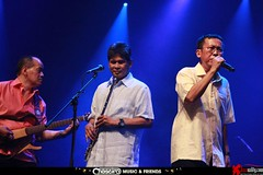 Chaseiro Music and Friends in Concert (28) (jazzuality.com) Tags: andien iwak aswinsastrowardoyo musicandfriends rizaarshad chaseiro candradarusman omensonisontani helmieindrakesuma edihudioro irwanindrakesuma rizaliindrakesuma newspiritband