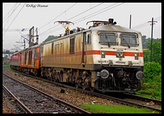 Sealdah Rajdhani (Raj Kumar (The Rail Enthusiast)) Tags: new canon delhi express kolkata raj kumar dhanbad rajdhani sealdah gzb wap7 30291 sx30is