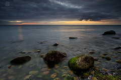 Waiting for the Sun (Dietrich Bojko Photographie) Tags: morning sea seascape beautiful germany landscape deutschland see nationalpark meer stones balticsea baltic stack lee filters rgen landschaft ostsee morgen mecklenburgvorpommern knigstuhl kreidekste jasmund jasmundnationalpark dietrichbojko d7000 dietrichbojkophotographie