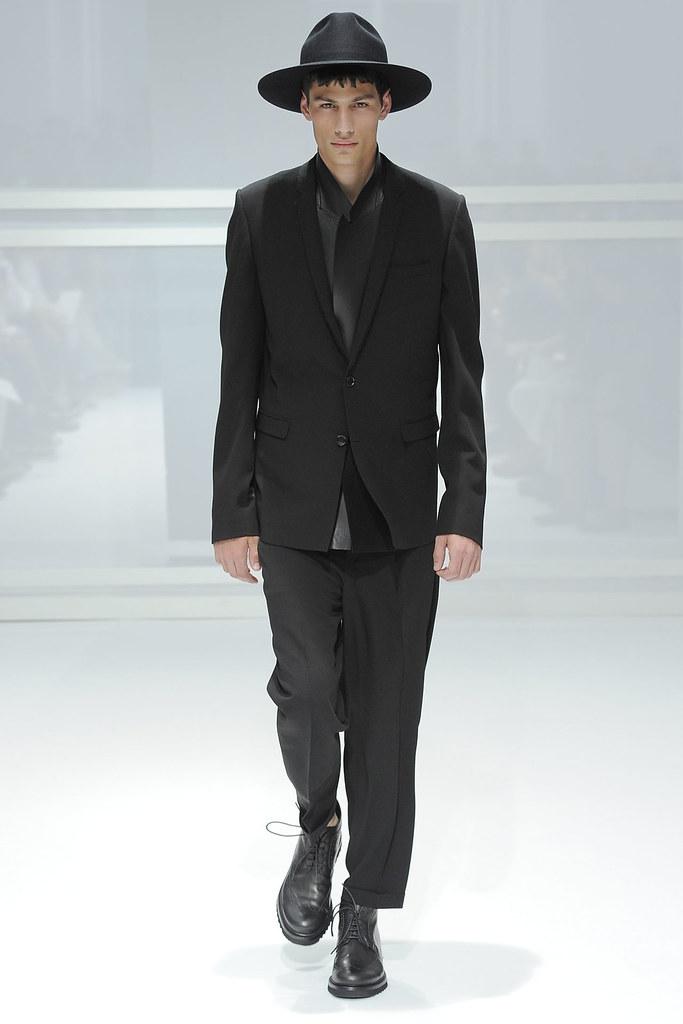 SS12 Paris Dior Homme038(VOGUEcom)