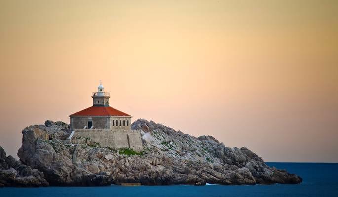 Hotel Dubrovnik Palace lighthouse