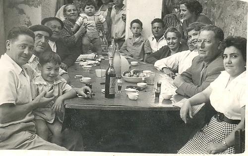 Gente a la mesa