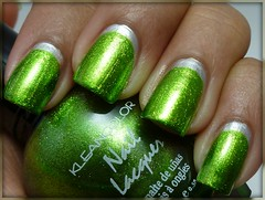 Day 8: Metallic Nails (Kleancolor Metallic Green & Sally Hansen Crystal Chrome)