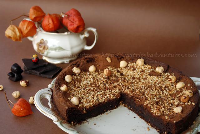 immagine foto Torta cremosa fondente e umida al cioccolato fondente