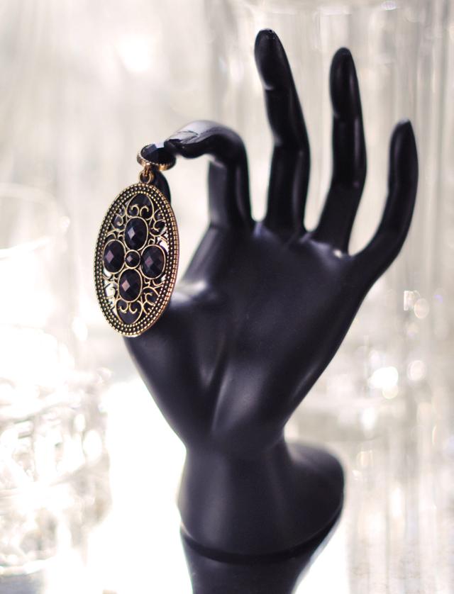 black hand fiturine -crystal- barware-diy earrings
