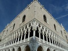 P1000332 (gzammarchi) Tags: italia venezia arco piazzasanmarco citt monocrome camminata itinerario