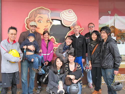 The Vancouver Cupcake Ride group shot!