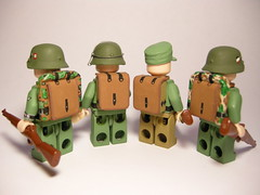 "Backpack M39 ""Affe"" LEGO (MR. Jens) Tags: world two germany soldier leaf oak war wwii ss camo german splinter backpack ww2 rucksack affe wehrmacht waffen zeltbahn"