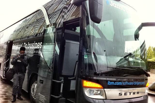 JamCamp Bus in München vor Silicon.de