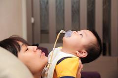 DSC_3992.jpg (claptonchen) Tags: family boy baby home nikon funny child d700 friendlyflickr nikon2470mm