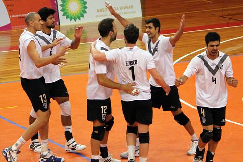 Voleibol: Vitória 3-1 Leixões