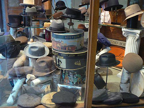 chapeaux, 5th Avenue.jpg