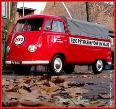 Prepared for a cold winter? / Winterklaar? (Amsterdam RAIL) Tags: vw volkswagen pickup petrol split esso fuel transporter t1 petroleum splitscreen carburant spijltjesbus huisbrandolie pv8817