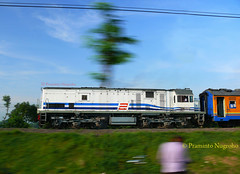 CC201105 in pacing shot (Praminto Nugroho) Tags: train locomotive ge pacing u18c brantas cc201105