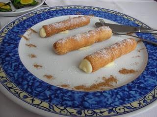 La Guardia (Pontevedra) | Restaurante Trasmallo | Cañas rellenas de crema