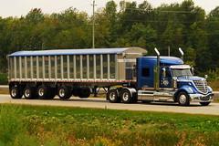 09132011-106 Ian A. McCord (ocrr4204) Tags: tractor ontario canada truck big highway rig trailer 401 morrisburg worldtruck