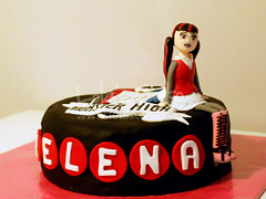 Monster High 1 (Lola's Cake) Tags: birthday monster cake high doll zombie pastel dracula cumpleaos monstruos tarta mueca fondant pasts lolascake drcula draculaura