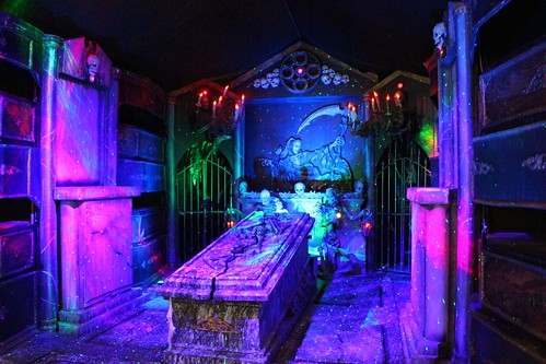 Scare Factory haunted shooting gallery - Craven's Crypt