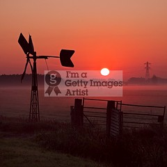 Misty Sunrise (DolliaSH) Tags: light sunset red sky sun mist holland color fall sol colors fog sunrise canon photography dawn lights soleil photo zonsondergang europe tramonto foto sonnenuntergang photos farm herbst herfst nederland thenetherlands delft sole sonne 18200 coucherdesoleil schiedam puestadelsol zuidholland zakat middendelfland southholland 50d canoneos50d solntse dollia canonefs18200mmf3556is sheombar dolliash mygearandme